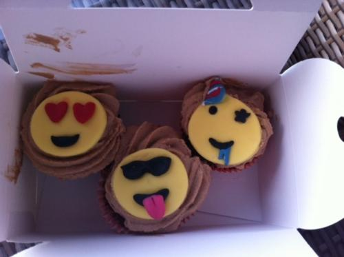 2251 cupcakes
